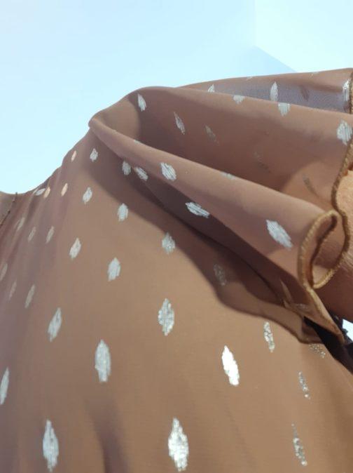 Robe longue caramel pastilles or par Elle est du Sud