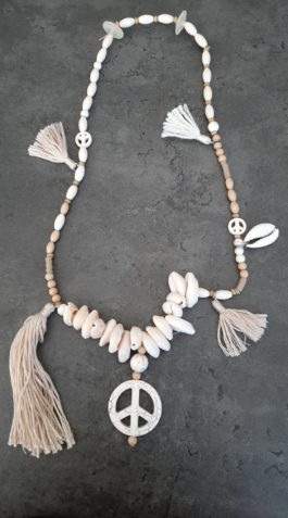 Collier coquillage peace By Elle est du Sud